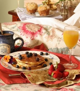 bed, breakfast and breakfast food
