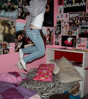bed, flying pig and girl