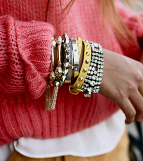 accessorize, anda and blond