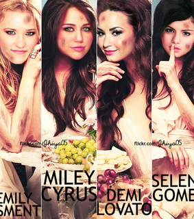 demi lovato, emily osment and little liars