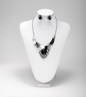 drip jewelry set, drip necklace set and geometric necklace