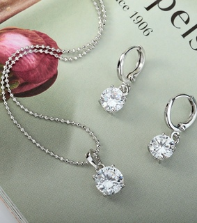 beautiful, fashion and floating heart necklace