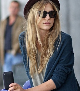 blonde, clemence and clemence poesy