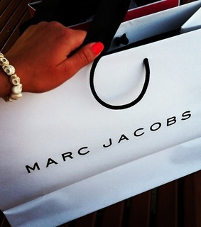 blingbling, marc jacobs and nails