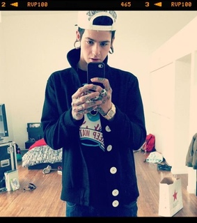 t mills, boy and swag