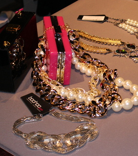 baubles, bib necklace and boohoo