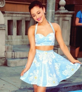 blue, clothes and crop top