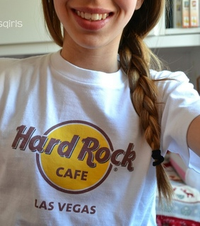cute, girl and hard rock cafe