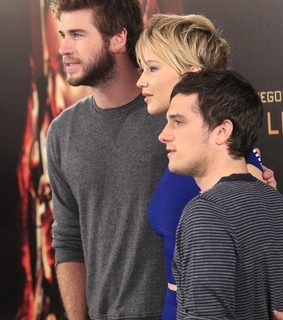 catching fire, en llamas and gale hawthorne