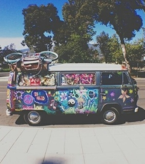 bus, hippie and love it
