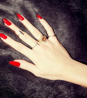 nails, pointy nails and red
