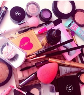 cute, girly and makeup