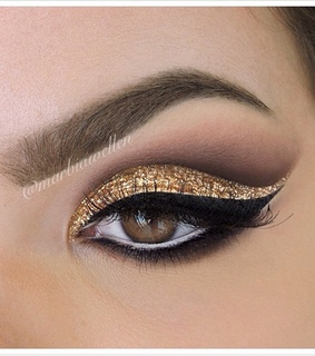 cat eye, cosmetics and eye lashes