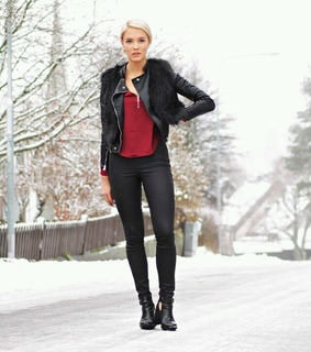 ankle boots, black and black pants