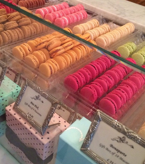 delicious, food and macarones