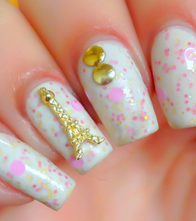 cute, dotted nails and fashion