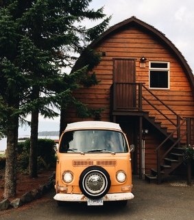 beaultiful, house and kombi