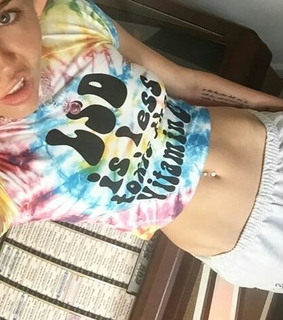 crop top, miley cyrus and navel