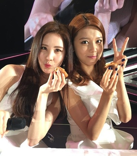 seohyun, snsd and sooyoung