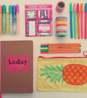ananas, back to school and colors