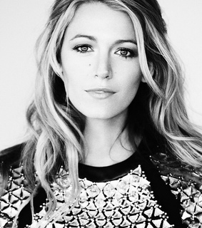 actress, black an white and blake lively