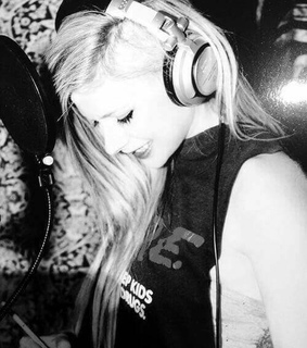 black&white, lavigne and lbs