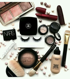 beauty, brushes and chanel