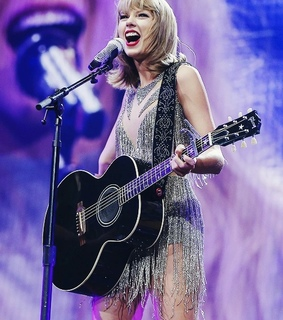 1989, taylor swift and 1989 world tour