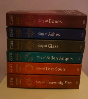 cassandra clare, city of bones and the mortal instruments
