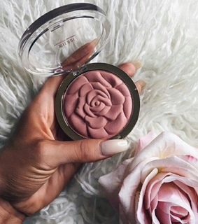 beauty, flowers and makeup