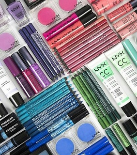 colors, cosmetics and eye pencil