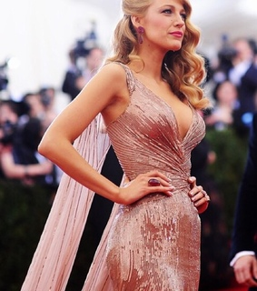 beautiful, blakelively and celeb