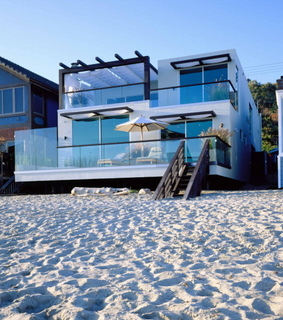 beach house, modern home and minimalist architecture