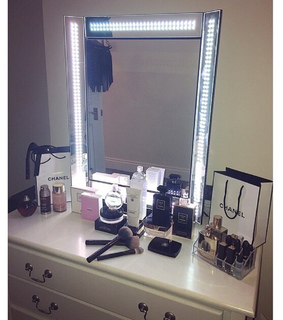 beauty, chanel makeup and designer