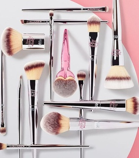 beauty, brushes and glam