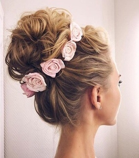 blonde, flowers and girly
