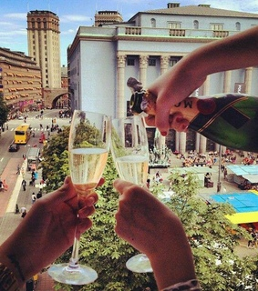 champagne, cheers and explore