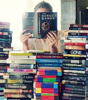 books, hunger games and love