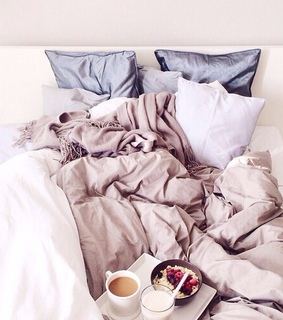 bed, breakfest and heart
