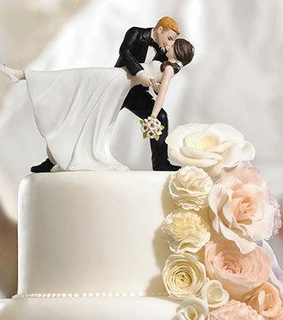 bride and groom, cake topper and wedding