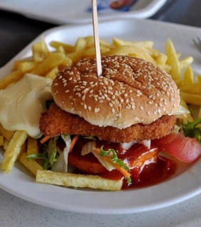 chicken, delicious and fries