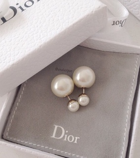 love, earring and class