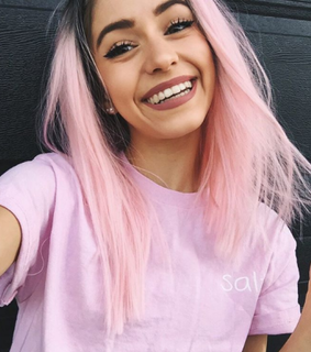 big lips, hair pink and smile
