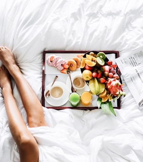 bed, breakfest and coffee