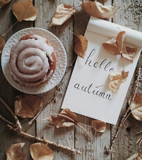autumn, cake and cinnabon