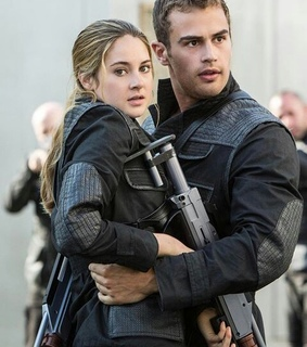 couple, divergent and tobias