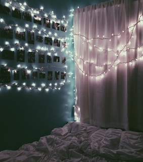 bed, lights and luzes