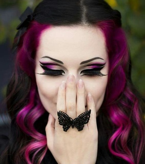 gothic makeup, gothic style and makeup