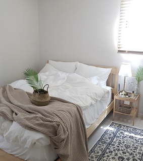 bedroom, minimalist bedroom and bedroom inspo