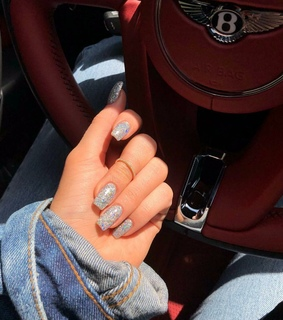 glow, sparkle nails and cute nails